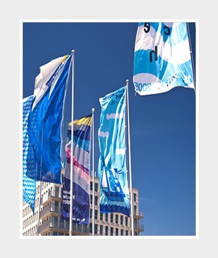 Hochformat-Fahne 80x200cm